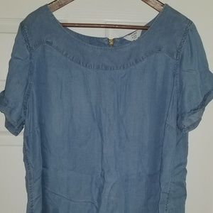 Denim color blouse with zipper in back